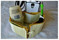DIY Placemat Purse Organizer - Cooking With Ruthie Sewing Crafts, Sewing Projects, Diy Crafts, Sewing Ideas, Rice Bags, Purse Organization, Organizer, Bag Making, Purses And Bags