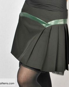 Sibylle Skirt Pattern and Tutorial at BeMyGothPatterns.com - only $9.95
