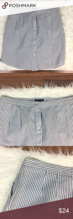 """/tommy hilfiger/ pinstriped skirt with pockets /tommy hilfiger/ pinstriped skirt with pockets  Excellent used condition  Waist laying flat 17"""" Length 21.5"""" Tommy Hilfiger Skirts"""