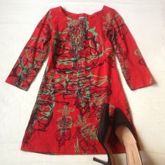 SHIPPING INCLUDEDVICTORIA KEEN NEW YORK dress Very cool and sassy. Stretchy material. Fabulous design. Mini dress. Adore it. Pit to pit - appx 15, length appx 28. Size tag missing but I say XS or small. Victoria Keen Dresses Mini