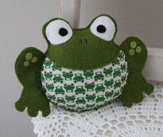 Felt Frog Rattle Toy (Dark Green)-The Dardy Collection : Beautiful Hand Made Items for you and your Family - Vintage Funky Useful & Sweet!