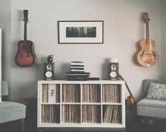 Music room office - Stuning Living Room Decoration Ideas On A Budget Home Studio Musik, Home Music Rooms, Music Corner, Guitar Room, Guitar On Wall, Music Wall, Vinyl Music, Vinyl Storage, Guitar Storage