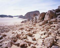 https://www.google.co.jp/search?q=砂漠 岩