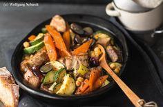 Schopfbraten mit Kichererbsen, Zucchini und Trauben
