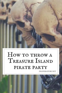 Throw the ultimate authentic Treasure Island Pirate Party: Be creative making island fruit punch for kids and only some of the food! Pirate Food, Pirate Party Games, Pirate Party Decorations, Pirate Theme, Pirate Birthday, 2nd Birthday, Pirates Dinner, Party Food For Adults, Hallowen Food