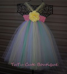 Easter tutu dress... this is so cute! It looks like it would very fairly easy to make.