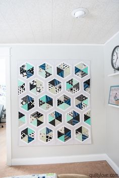 Cotton and Steel Triangle Hexies Quilt - Quilty Love Black And White Fabric, Black And White Lines, Quilting Ideas, Quilt Patterns, How To Sew Baby Blanket, Crazy Mom, Traditional Quilts, Free Motion Quilting, Simple Lines