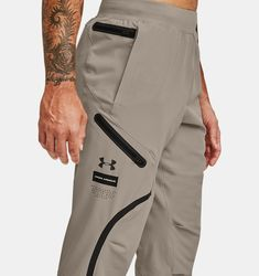 Track Pants Mens, Mens Jogger Pants, Sports Trousers, Cargo Pants, Outdoor Pants, Stylish Mens Outfits, Fashion Joggers, Under Armour, Mens Sweatshirts