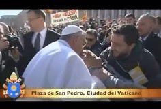 VIDEO: Papa Francisco bajó del papamóvil y saludó a persona con discapacidad