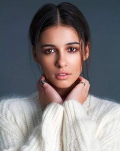 The first Jasmine of Aladdin Naomi Scott: The beauty of Asia - Europe storms, from the unknown singer to the new princess of Disney - Photo Naomi Scott, Pretty People, Beautiful People, Beautiful Women, Celebrity Makeup Looks, Elle Fanning, Emma Watson, Queen, Beautiful Actresses