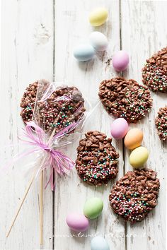chocolate eggs and puffed rice - Recipe Chocolate Eggs and puffed rice Cocina Diy, Jam Cookies, Puffed Rice, Mickey Mouse Cake, Diy Easter Decorations, Pinterest Recipes, Easter Recipes, Something Sweet, Chocolate Recipes