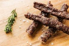 A lesser know South African food the beautiful Droewors sometimes called a Dry-Wors or Beer stick. Very much the same as biltong but made with minced beef and dried in small sausage skins a truly perfect partner to Biltong Sausage Skin, Biltong, South African Recipes, Small Meals, Beef Jerky, Food Festival, High Protein, Homemade, Beer