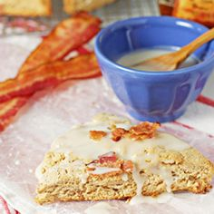 Maple bacon scones - get that salty and sweet combo in a fun breakfast treat.