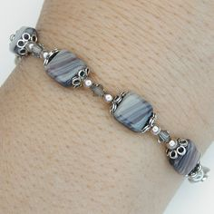 Glass beads with crystals and glass pearls bracelet