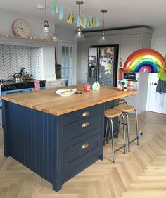 Can't believe Josh's rainbow balloon is still going strong over a week after his party-!🌈Can't bring myself to take down the tassels… Modern Grey Kitchen, Country Kitchen Designs, Modern Kitchen Cabinets, Modern Kitchen Design, Kitchen Flooring, Kitchen Diner Extension, Open Plan Kitchen, New Kitchen, Kitchen Dining