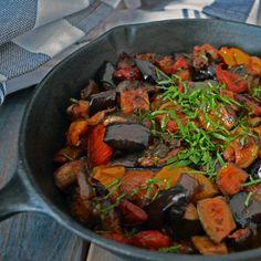 Ratatouille Toute Simple Ratatouille, Chef Simon, Japchae, Salads, Recipies, Menu, Simple, Vegetables, Ethnic Recipes