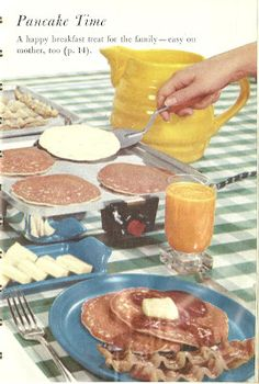 Pancakes on an electric griddle. Retro Recipes, Vintage Recipes, Vintage Food, Griddle Recipes, Vintage Advertisements, Retro Ads, Griddles, Pancakes, Breakfast Recipes