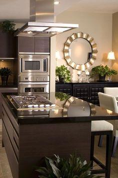 Taupe Kitchen Cabinets, Dark Granite Countertops, Black Kitchen Countertops, Wood Cabinets, Kitchen Island, Kitchen Layout Interior, Home Decor Kitchen, Brown Kitchens, Interiores Design