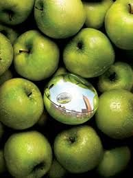 DKNY Be Delicious, green apple, fresh, summer, New York, fruity.