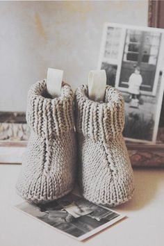 Strikkeopskrift | Nuttede støvler til baby. Gratis mönster på danska