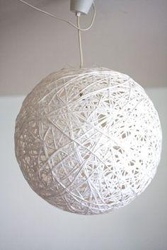 diy lampe basteln mit zeitungsstreifen diy pinterest lampen basteln diy lampe und lampen. Black Bedroom Furniture Sets. Home Design Ideas
