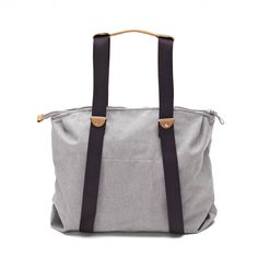 QWSTION -SIMPLE ZIPTOTE ORGANIC RAWCYCLED - We've always liked simple holdalls, but also the comfort of a backpack when carrying some weight. Our new Simple Ziptote offers both. With a volume suited for daily use, an outside and some inside pockets and our Simple-Strap-System®, you get lots of versatility with classic style. Artistic Installation, Classic Style, Gym Bag, Organic Cotton, Backpacks, Pockets, Tote Bag, Simple, Bags