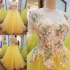 AHS024  New Arrival Tulle Yellow Prom Dresses with Appliques 2017