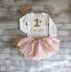 1er anniversaire tenue bébé fille Tutu Bodysuit Couronne la Couronne monogrammé Chevron rose et or Set personnalisé anniversaire or et rose Cake Smash