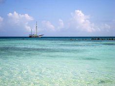 O mar de Aruba é lindo D+!!! Leia sobre esta viagem no blog entreviagens!  #aruba #viagemdossonhos #viagem #entreviagensblog