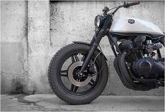 honda-crd-11-black-cream-cdr-motorcycles-3.jpg   Image