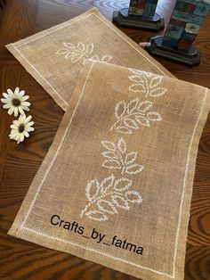 Hand Embroidery Art, Embroidery Flowers Pattern, Crochet Table Runner, Crochet Tablecloth, Cross Stitch Designs, Cross Stitch Patterns, Craft Patterns, Sewing Patterns, Farmhouse Table Runners