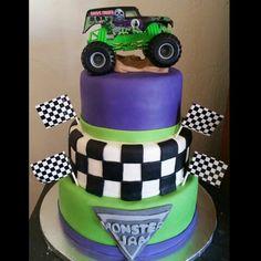 Monster Jam Grave digger cake Digger Birthday Cake, Digger Birthday Parties, Monster Truck Birthday Cake, Digger Party, Monster Truck Party, 4th Birthday Cakes, 5th Birthday Party Ideas, Monster Trucks, Grave Digger Cake