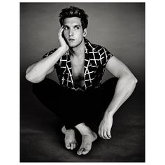 SCOTT MICHAEL FOSTER for SO CHIC / January 2015 Issue.