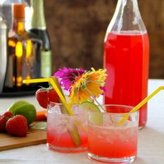 Make an easy syrup with rhubarb and mix the best drinks ever. Tasty poured over ice cream or pancakes for that matter too. (in Norwegian)
