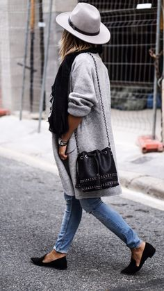 Grey fedora, skinny jeans, oversized sweater, flats, bucket bag
