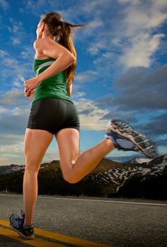How to Treat & Prevent Iliotibial Band Syndrome — Runners Blueprint Iliotibial Band Syndrome, Piriformis Syndrome, Runners Knee Pain, It Band Syndrome, It Band Stretches, Knee Pain Relief, Hip Problems, Running Injuries, Tight Hip Flexors
