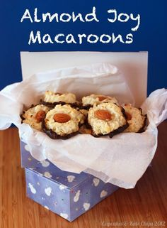 Almond Joy Macaroons - only four ingredients! | cupcakesandkalechips.com |