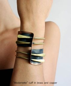 Copper Cuff, Copper Jewelry, Diy Jewelry, Jewelry Bracelets, Jewelry Accessories, Jewelry Design, Fashion Accessories, Bangles, Contemporary Jewellery