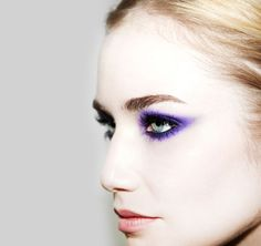 Beau nelson today on the violet files maquilhagem, maquiagem Purple Eye Makeup, Purple Eyeshadow, Love Makeup, Beauty Makeup, Makeup Looks, Hair Makeup, Hair Beauty, Black Makeup, Behind Blue Eyes