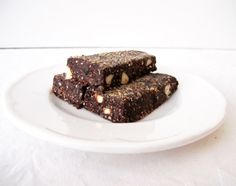 Chia almond energy bars recipe, brought to you by MiNDFOOD. (Adjust to Christmas truffles) GFDF