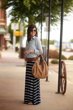 striped maxi skirt with denim shirt- Flowy and comfy maxi skirts… Navy Maxi Skirts, Skirt Outfits Modest, Casual Outfits, Cute Outfits, Jean Skirts, Long Skirts, Blue Maxi, Flowy Skirt, Summer Outfits