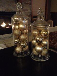 Decoracion de navidad esferas y cristal beige dorado http://comoorganizarlacasa.com/decoracion-para-navidad-en-color-beige-y-dorado/ #decoracionNavidad #navidad