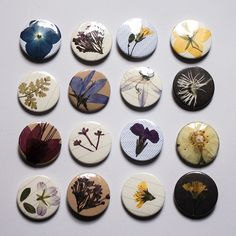 "1"" / 25 mm badges made of recycled paper and pressed flowers picked within a mile radius in the Isle of Man. Minimalist pin fixing You will receive ONE badge (p"