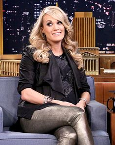 Carrie Underwood Gives Grammy-Worthy Performances to Pregnant Belly - Us Weekly