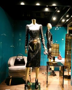 1000 images about gucci window display on pinterest window displays gucci and hong kong. Black Bedroom Furniture Sets. Home Design Ideas