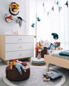 Chets Toddler Bedroom (Oh Eight Oh Nine) Boys bedroom ideas boys rooms toddler room stylish inspiration The post Chets Toddler Bedroom (Oh Eight Oh Nine) appeared first on Toddlers Diy. Boys Room Decor, Kids Decor, Boy Room, Kids Bedroom, Bedroom Ideas, Room Kids, Girls Twin Bed, Deco Kids, Ideas Hogar