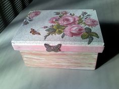 Caixa em MDF Dyi Decorations, Decoupage Box, Acrylic Resin, Mdf Wood, Keepsake Boxes, Wooden Boxes, Rustic Wedding, Diy And Crafts, Decorative Boxes