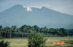 VIEW  OF BANAHAW VOLCANO  ON MAJAJAY LAGUNA AREA                                             VISIBLE WERE  MT. CRISTOBAL