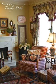 Nancy's Daily Dish: English Cottage Living Room - Before, Partly After & Still a. - Nancy's Daily Dish: English Cottage Living Room - Before, Partly After & Still a Work in Progress French Country Living Room, Country Decor, Cottage Living Rooms, Cottage Interiors, Home, Country Living Room, English Cottage Decor, Cottage Living, Home Decor