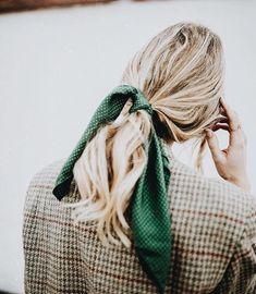 Vårens finaste frisyr – sidenscarf